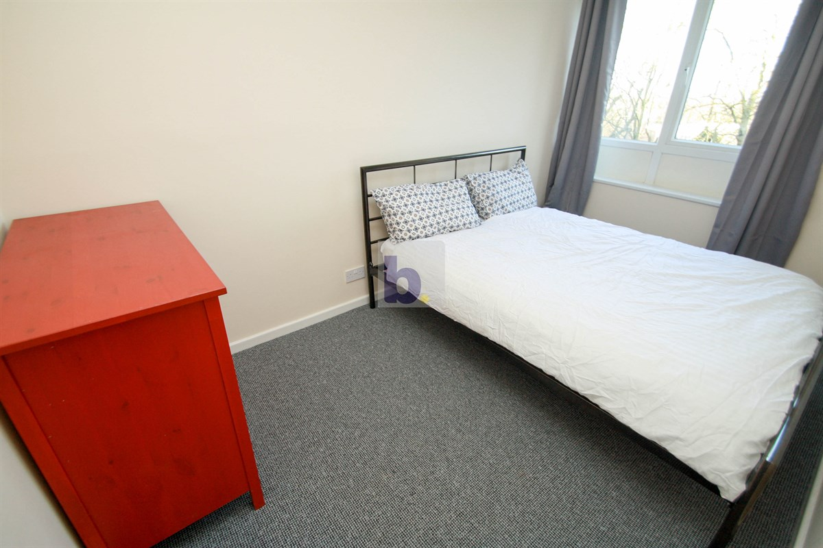 2 Bed Flat To Rent In St Keverne Square Kenton