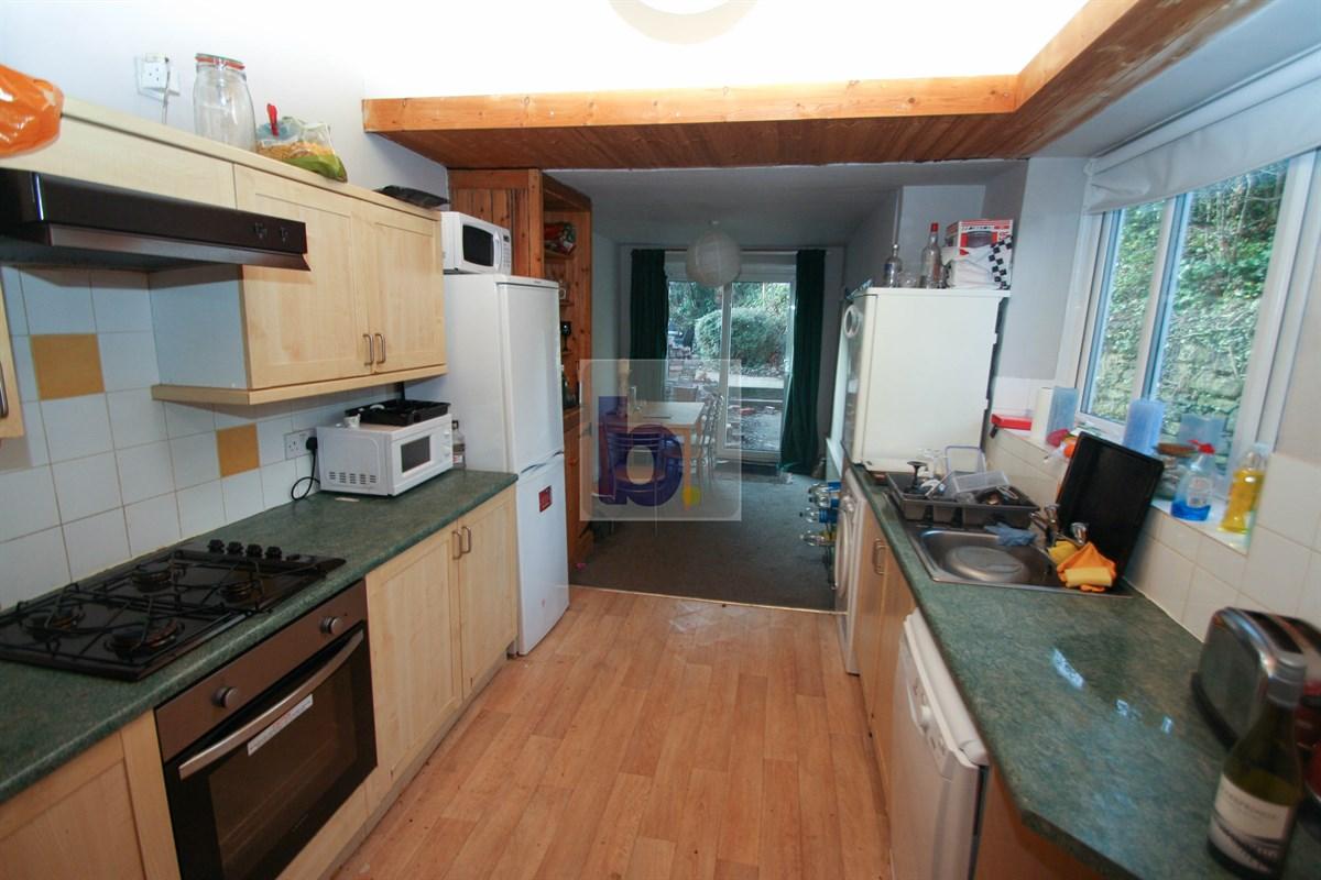 4 bed House to rent in Lyndhurst Avenue, Jesmond