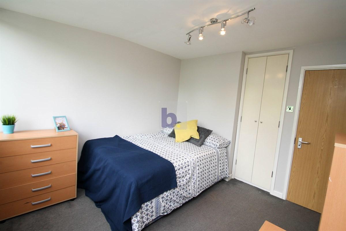 5 Bed Flat to rent in Linden House, Apt 4, Jesmond